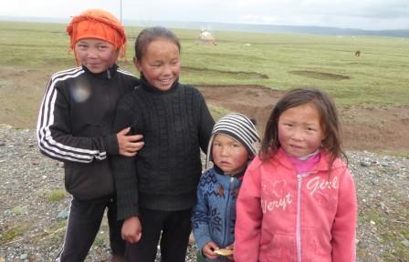 Enfants_kirghizes.JPG